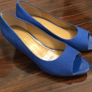 Nine West cobalt blue wedges